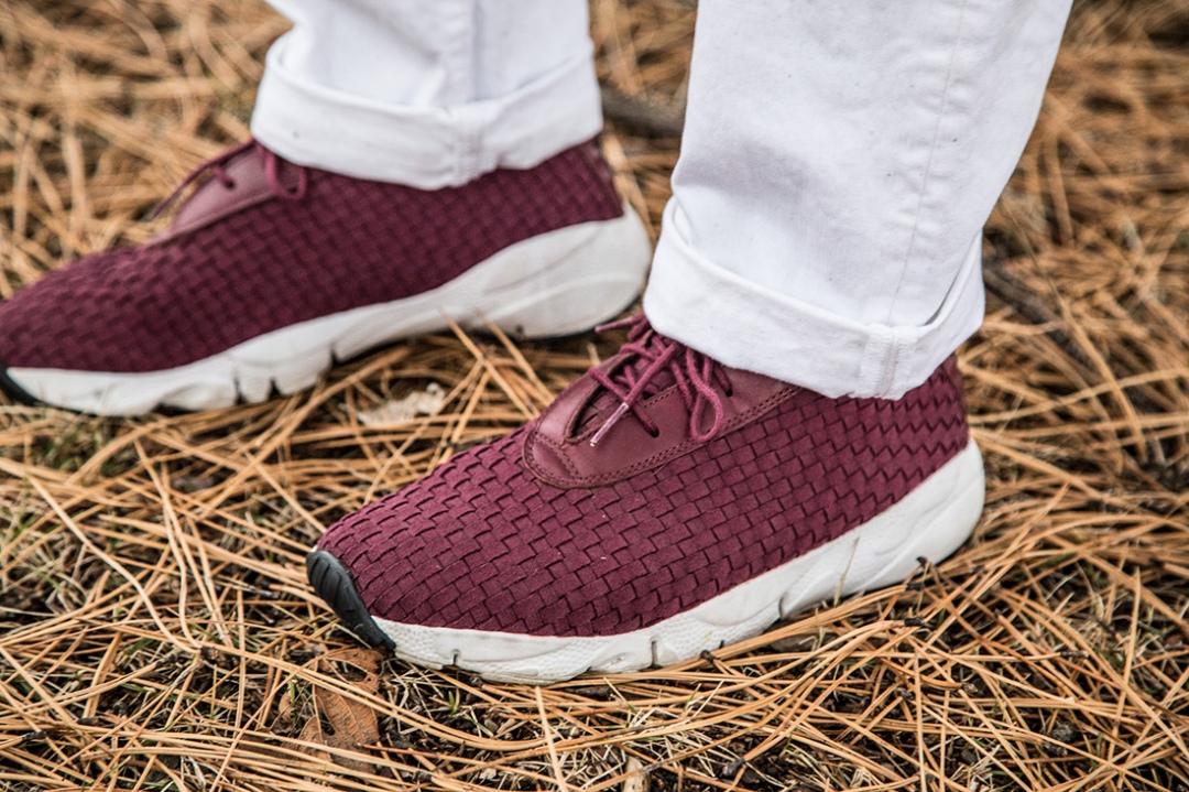 nike-burgundy-shoe